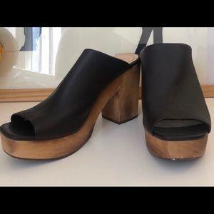 Kelsi dagger wooden heels 9.5